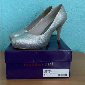 """MADDEN GIRL """"Getta"""" pumps- silver sparkle Sz 9"""